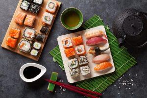 Ở Nhật Bản, bạn sẽ được trải nghiệm các món ăn độc đáo với hương vị lạ lạ quen quen.